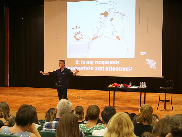 charla motivacional SUMO GUY Caxton College